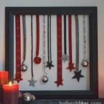 DIY-Idee halbachblog: Bilderrahmen mit Bändern und Accessoires in Schwarz, Rot, Silber
