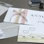 DIY-Idee halbachblog: Ideen für selbst gemachte Einladungskarten mit Bändern und selbstklebenden Strassstickern
