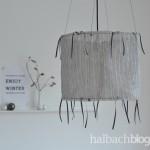 DIY-Tutorial halbachblog: Lampe selber bauen aus Stoff, Drahringen und Bändern zum Anknoten