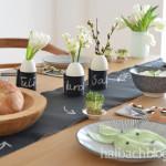 halbachblog: Ideen für den Ostertisch in Schwarz-Weiß, Natur mit Tafelstoff und Korkstoff - Tafelstoff-Banderole für Mini-Eier-Blumenvasen, Korkstoff-Besteck-Tasche, Hasen-Stoff-Säckchen für süße Ostergeschenke