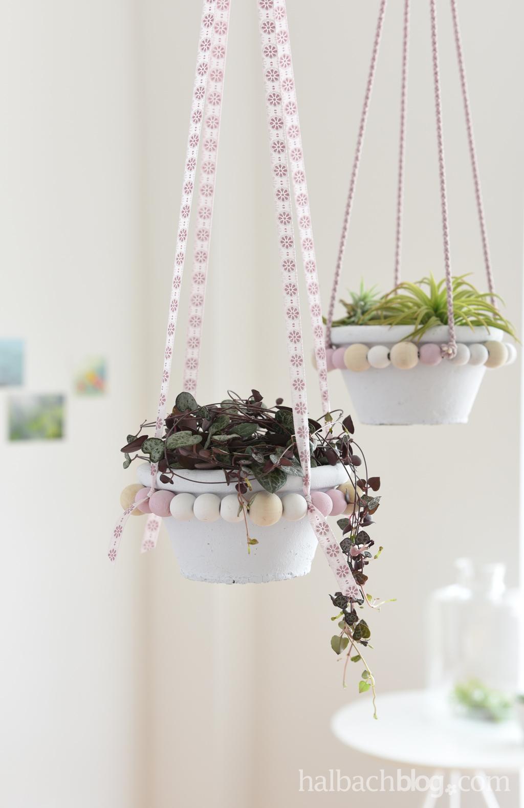 DIY-Blumenampeln aus Holzperlen