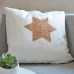 DIY-Anleitung halbachblog: Applikation aus Korkstoff auf Kissen nähen - Stern aus sechs Rauten