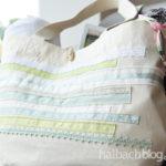 DIY-Idee halbachblog: Canvas-Strandtasche mit Bändern und Spitze benähen in Mint, Hellgrün, Weiß und Natur