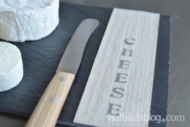Mit Holzfurnier-Stoff zur stylishen DIY-Käseplatte