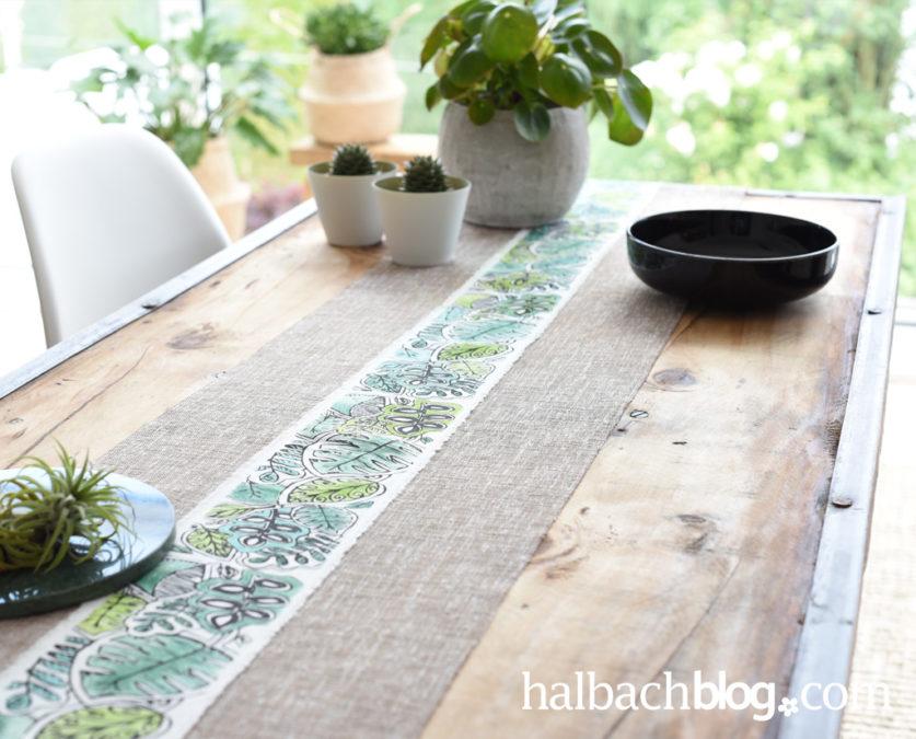 Blätter-Look für den Tisch: Läufer mit DIY-Ausmalband