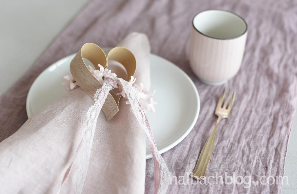 DIY-Idee zum Valentinstag: Holzfurnier-Stoff-Herzen, die zweite