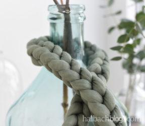 Häkeln ohne Nadel: Deko-Maschenkette aus Strickschlauch