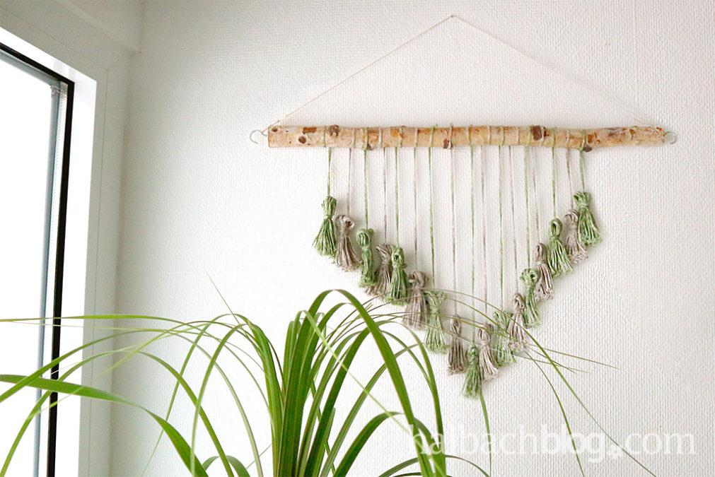 Quasten-Wandbehang im natural look