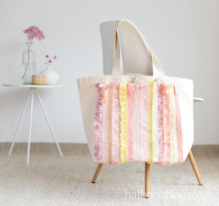 Frischer Begleiter: Tasche mit Bändern pimpen