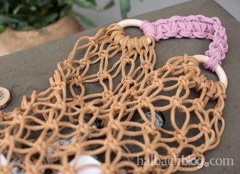 Makramee-Tasche aus Papier-Strickschlauch