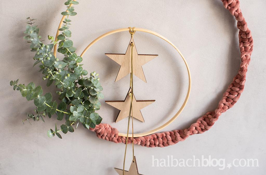 Weich umgarnt: weihnachtliche Dekoringe
